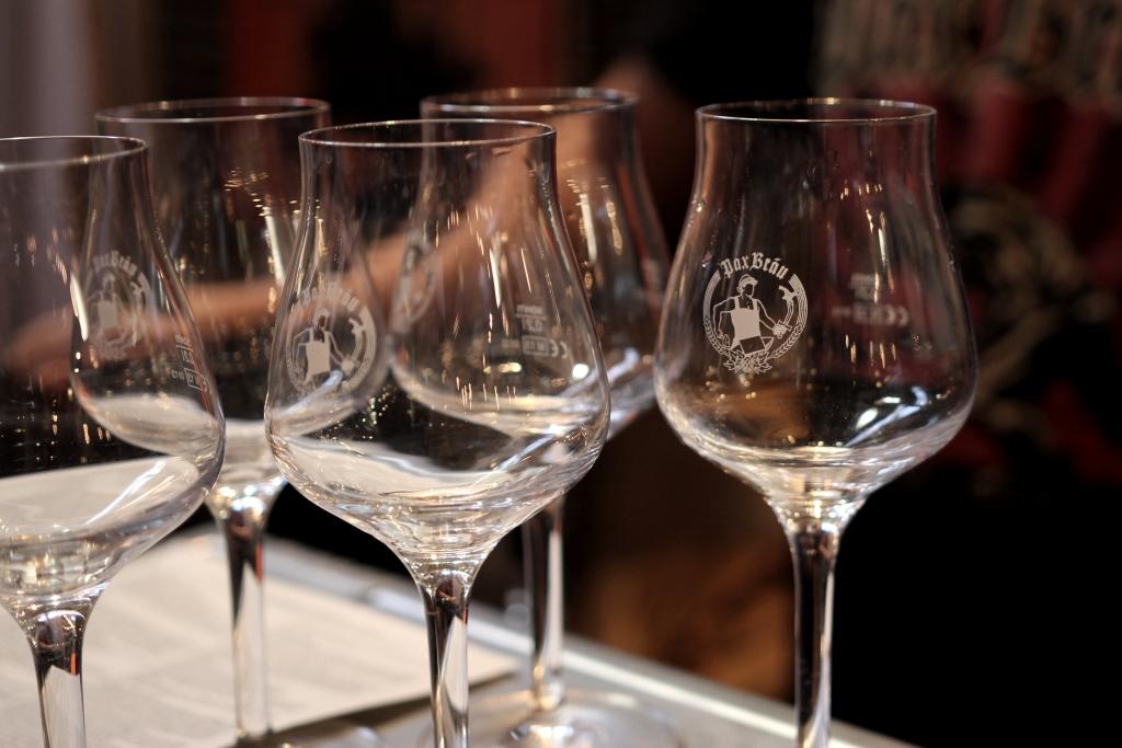 Leider leer - Pax Bräu Gläser, die auf den Einsatz warten (Foto: StP)