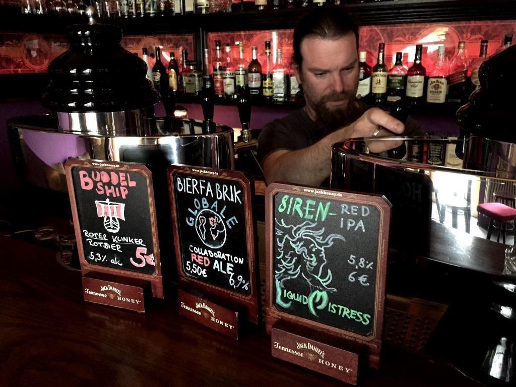 Monterey Bar